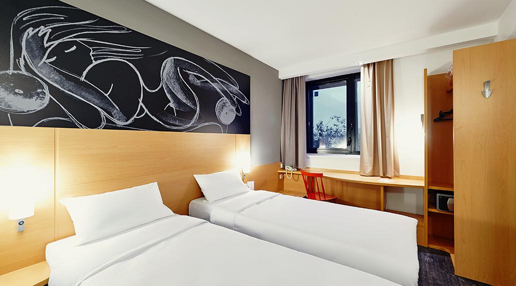 IBIS HOTEL  20