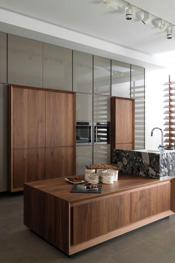 Natural and Artificial Wood Veneer